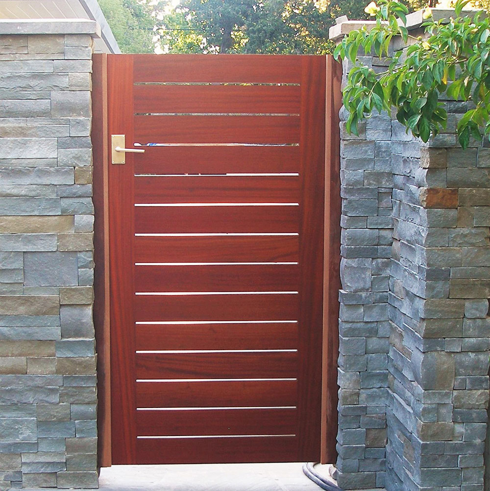 Contemporary Flush Panel Gate